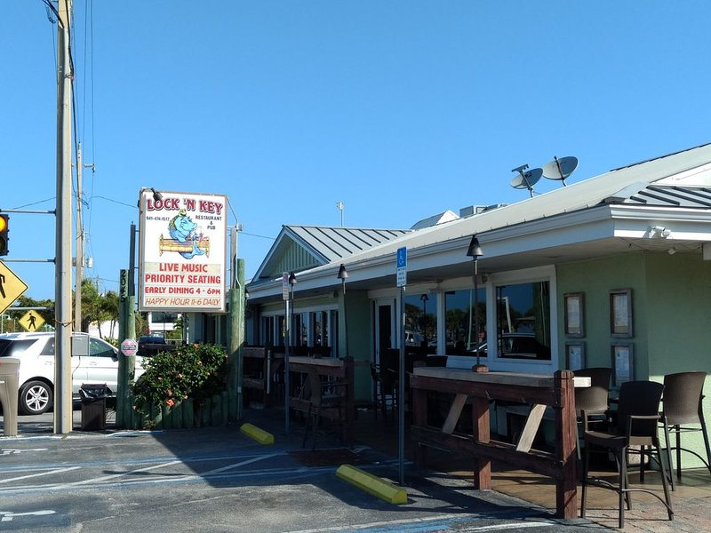 Great food establishments all within walking distance!