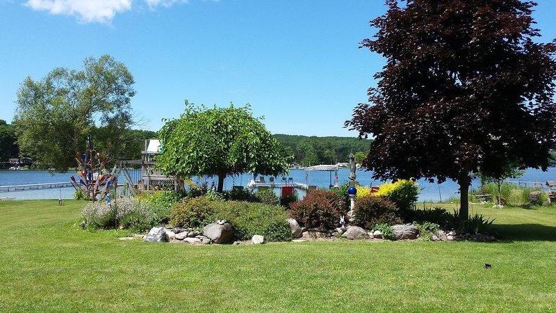 Intermediate Lake, Central Lake, Mi, Critts Cove Cottage, location de vacances à Central Lake