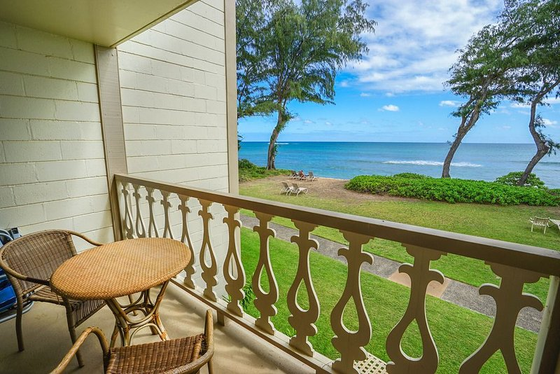 Aloha Condos, Islander on the Beach, Condo 225, Beachfront, AC, vacation rental in Kapaa