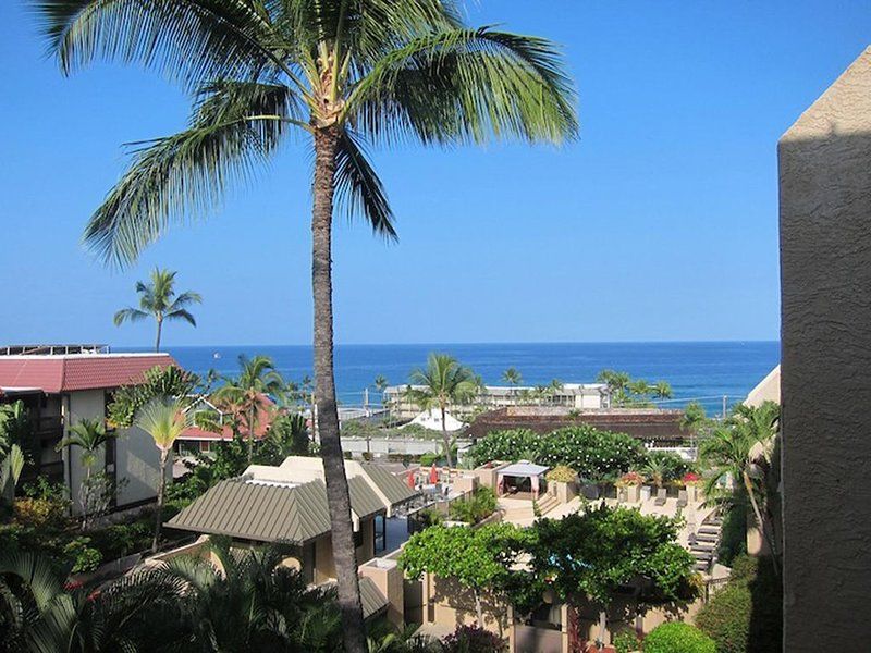 The Seaview at Kona Pacific, 5th floor, Ocean view, 1 Bed/2 Bath, alquiler de vacaciones en Kailua-Kona