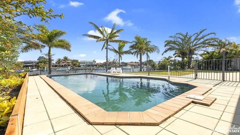 LUX AND SPACE IN THE PERFECT CANAL HOME, vacation rental in Moreton Bay Region