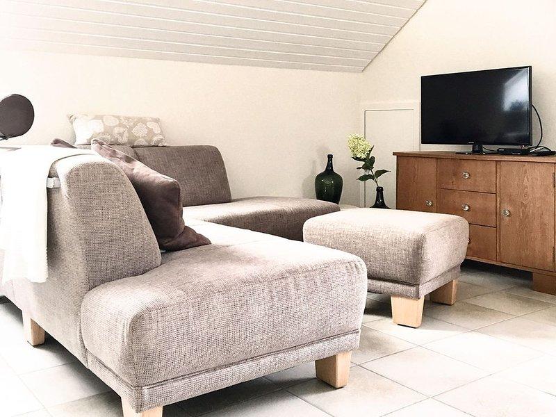 Ferienwohnung, 60qm, Balkon, 1 Schlafzimmer, max. 4 Personen, holiday rental in Moetzingen