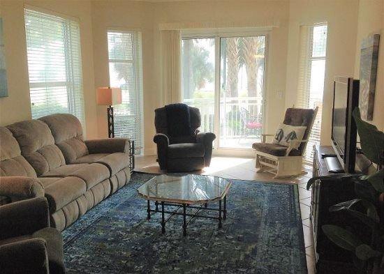 Vacation rental condominium. Sleeps 8, 3 bedrooms, 3 bathrooms. No pets allowed. – semesterbostad i Gulfport