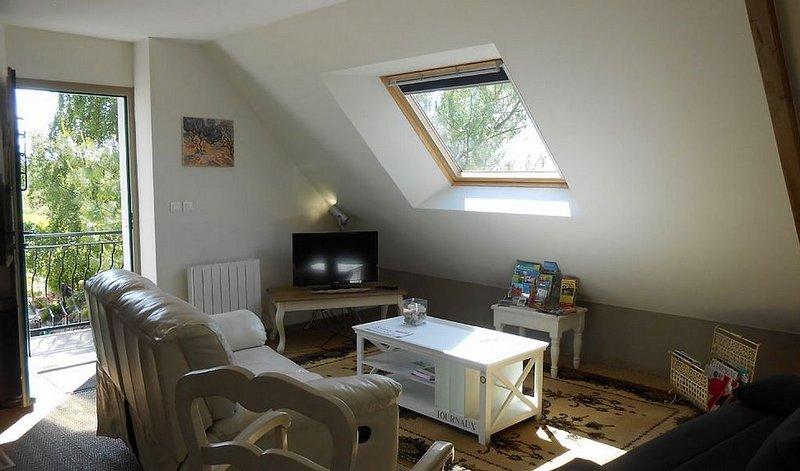 Appartement de vacances 56 m2  pour 4 per bord de rance  à 300 m du port, holiday rental in Saint-Pierre-de-Plesguen