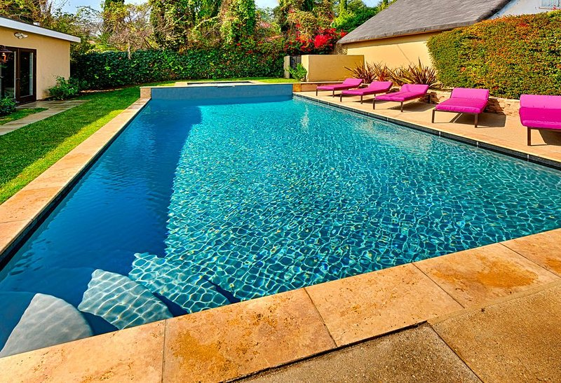 Spring Special - Magnificent Hollywood Hills Pool Residence in Celebrity Enclave – semesterbostad i Los Angeles