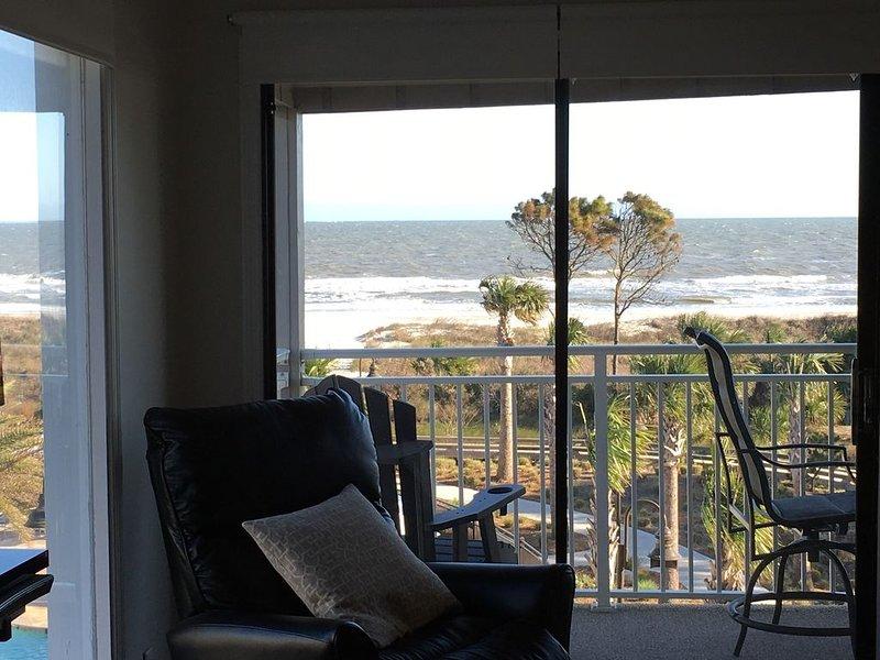 Ocean Dunes 305/270Degree Direct Oceanfront+View/3rd Fl/2En Suites/2Bikes, vacation rental in Daufuskie Island