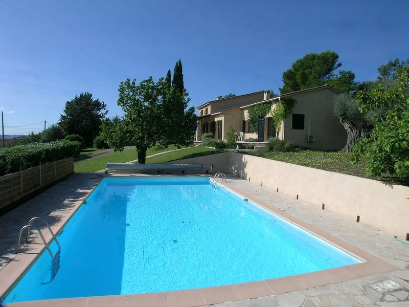 Provencal Villa, Large Pool, stunning Views, walking distance to the village, holiday rental in Fayence