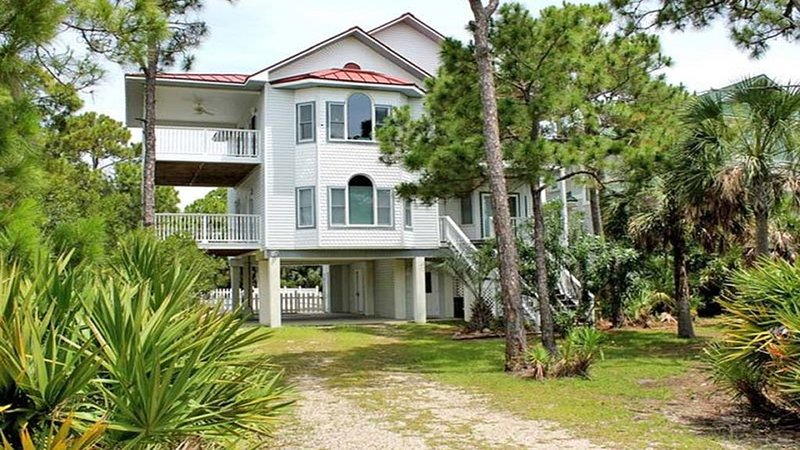 Summer is in Full Swing.  Book now for late summer and fall discounts., holiday rental in Apalachicola