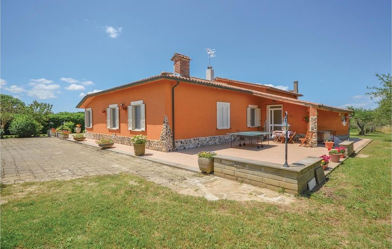 4 Zimmer Unterkunft in Canale Monterano -RM-, holiday rental in Manziana