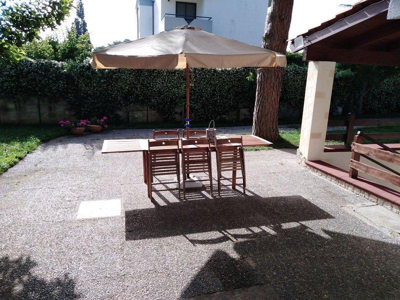 appartamento in villa signorile, holiday rental in Marina di Pulsano