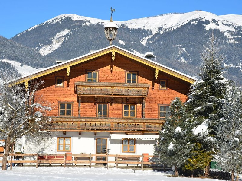 Cosy and rustic holiday apartment in tranquil Sulzau bei Neukirchen, vacation rental in Neukirchen am Grossvenediger