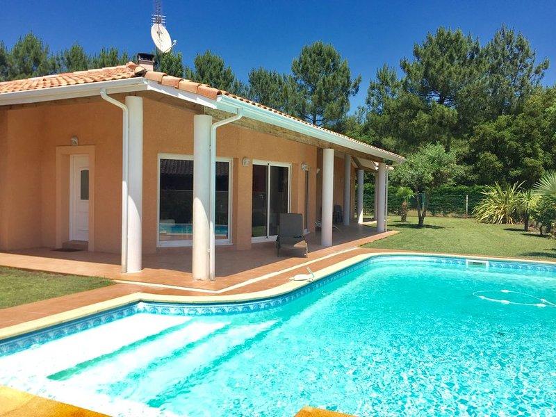 Villa Soustons Plage avec Piscine - Lac Marin, Golf, Océan;WIFI,Suite parentale, alquiler de vacaciones en Landes