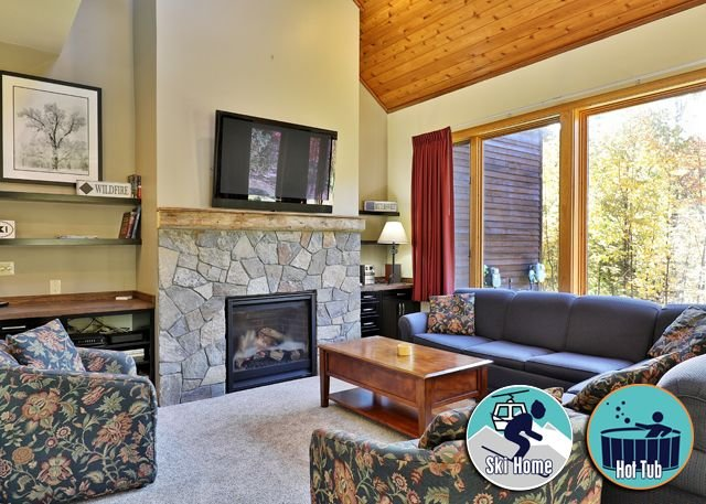 Highridge F1 Premier Resort Condo perfectly located for everything you need, location de vacances à Killington