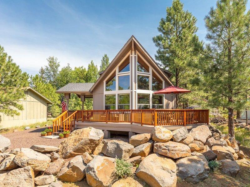 Beautiful Mountain Retreat nestled in the Ponderosa Pines of Munds Park, location de vacances à Mormon Lake