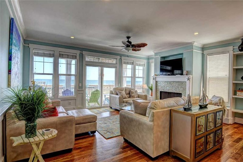 Ocean Kure - MAY RATES STEEPLY REDUCED! Fantastic oceanfront duplex, with pool,, vacation rental in Kure Beach