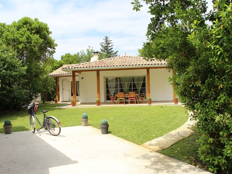 Location andernos-les-bains maison confortable, vacation rental in Taussat