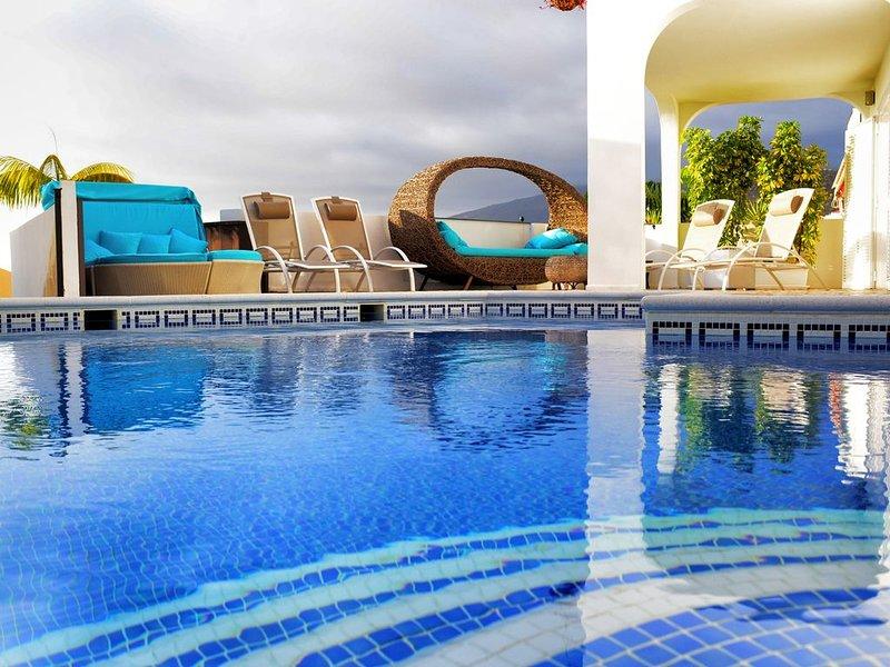 Superbe maison de vacances située à Torviscas (Costa Adeje), vacation rental in Playa de Fanabe