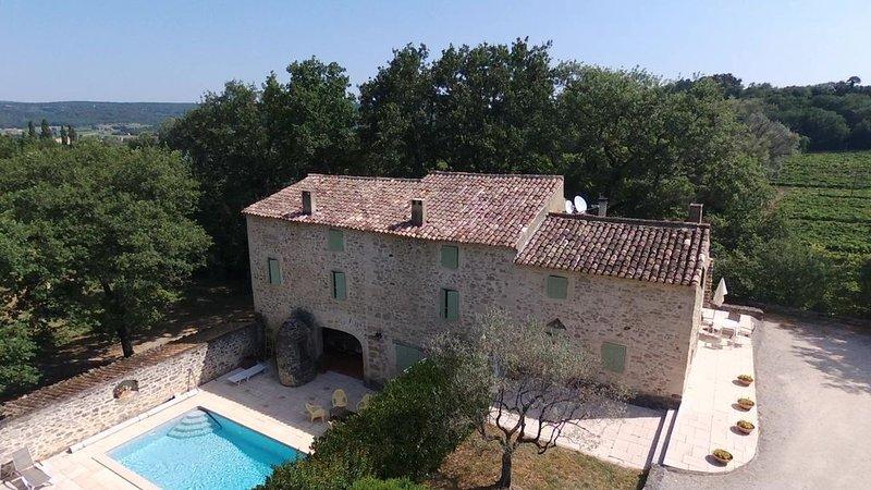 Mas provençal de caractère avec piscine, près de Grignan, pour 9 pers., location de vacances à Valaurie