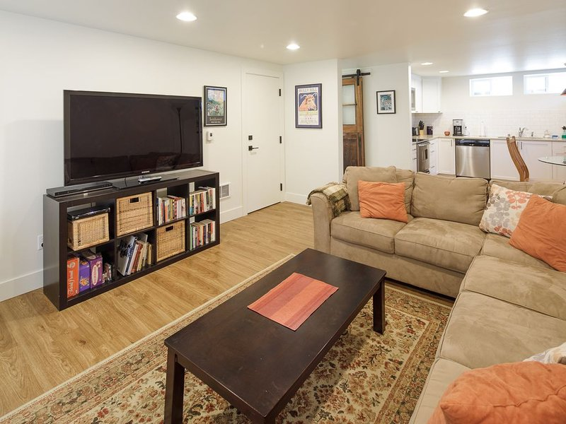North Avenue 'Nest'  Brand New and beautiful one bedroom with Sofa bed, vacation rental in Florence