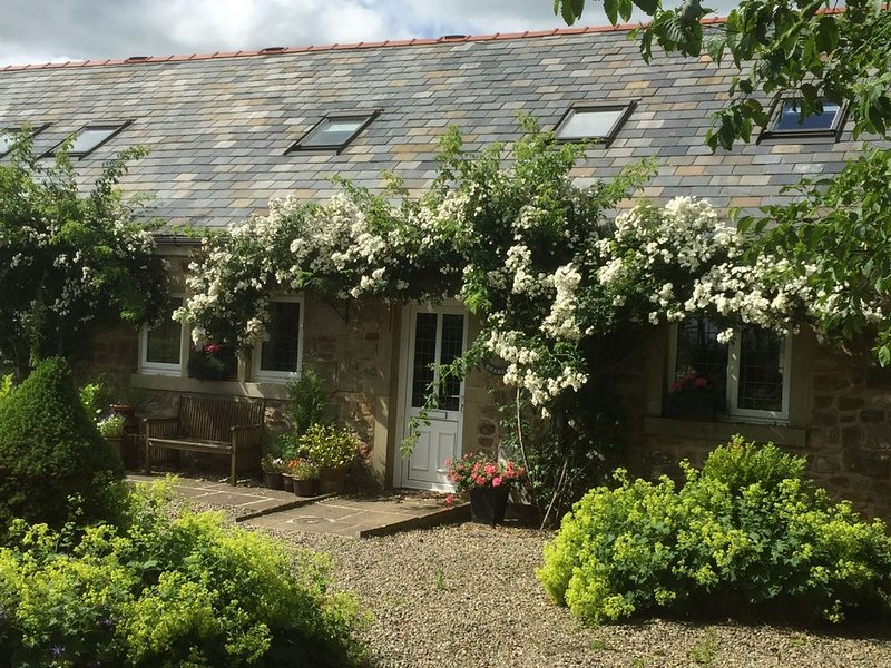 Luxury 5 star cottage with 6 bedrooms and 3 bathrooms, holiday rental in Scorton