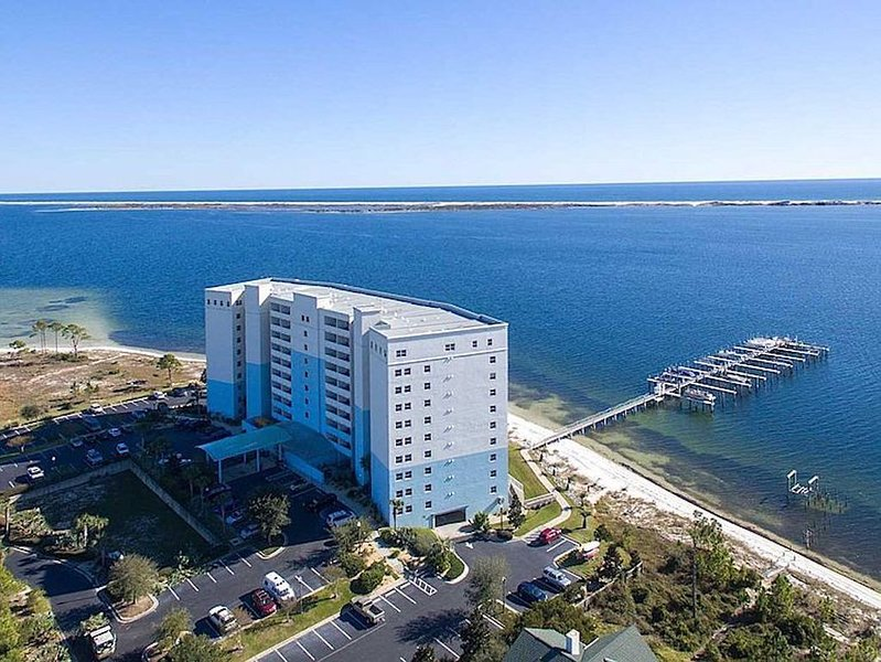 Unbelievable views from this WATERFRONT unit!, holiday rental in Perdido Key
