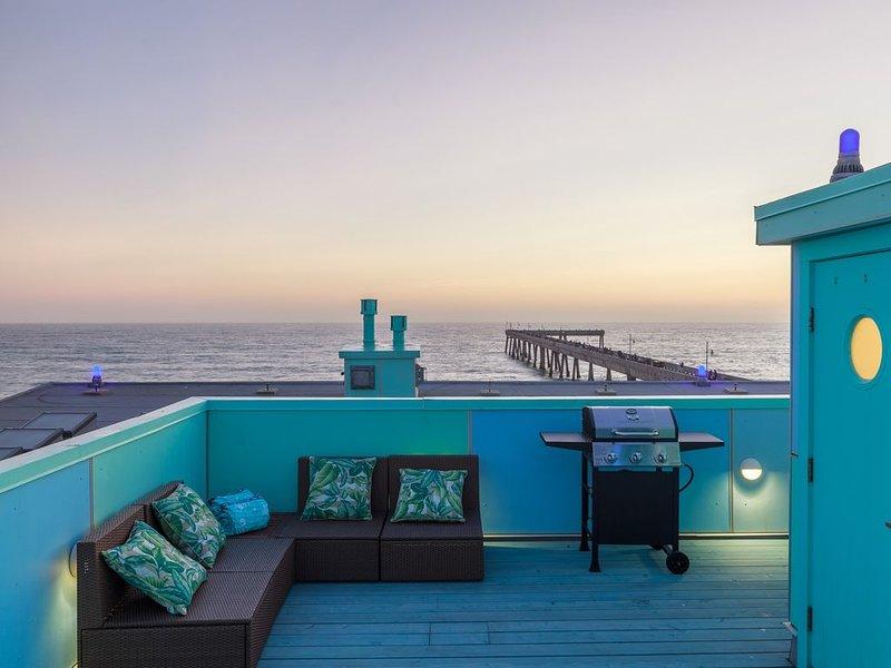 Luxury Beachfront Condo (1), vacation rental in Pacifica