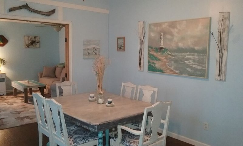 Bring your boat bungalow, pet friendly, close to Topsail Beach & marina, alquiler de vacaciones en Jacksonville