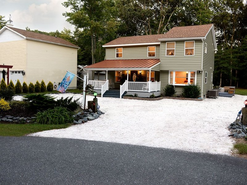 Amazing open concept, huge back yard and two fire pits., casa vacanza a Ocean Pines