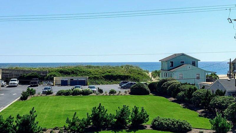Gorgeous Ocean Views, Steps from the Beach - Blue Vistas OBX, alquiler de vacaciones en Nags Head