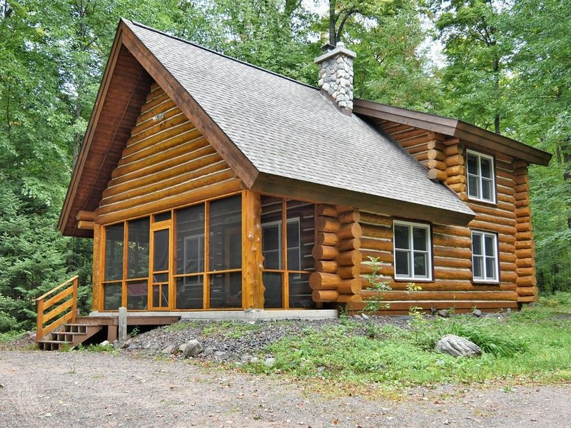Trails Lodge – Lake Namakagon, holiday rental in Cable