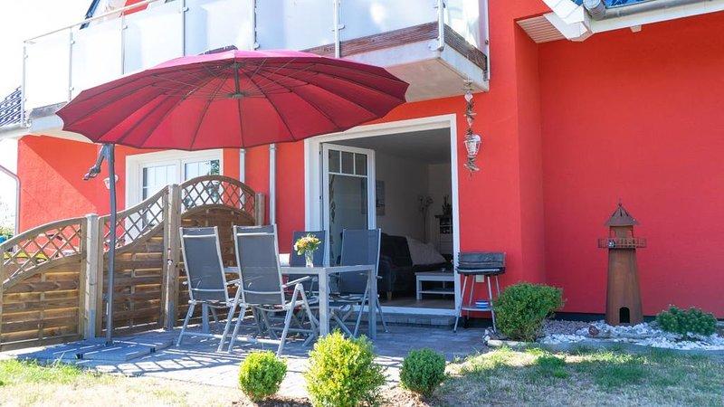 *Home - komfortable, gemuetliche FeWo fuer 4 Personen, Sonnenterrasse, Grill, Hu, casa vacanza a Hessenburg