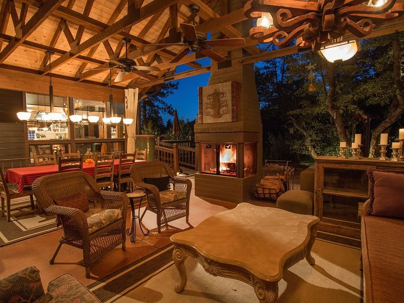 Dancing Bear Lodge, Pine AZ; Luxury Cabin with Views, Spa & Outdoor living area, vacation rental in Pine