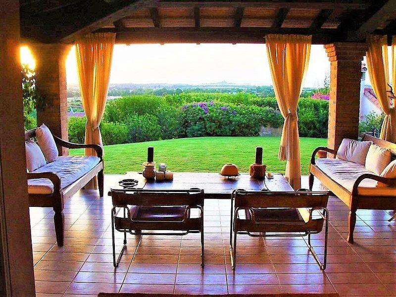 Private Pool Panoramic Villa with sea view inside Golf Resort, vakantiewoning in Pula