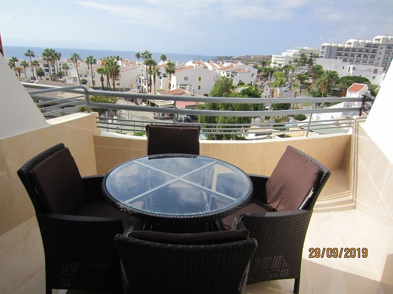 Santa Maria Studio Apartment With Sea And Mountain Views., location de vacances à Costa Adeje