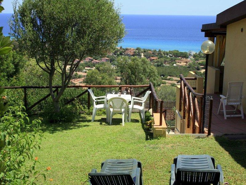 Costa Rei, villetta splendida vista mare, giardino riservato. Bellissime spiagge, vacation rental in Costa Rei