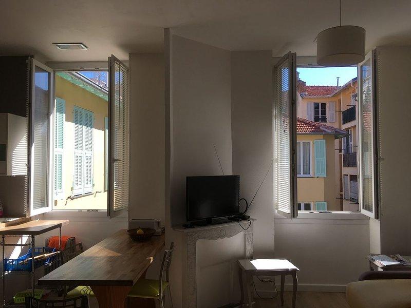 Joli 2 pièces à Nice, centre, tout confort, calme, Ferienwohnung in Nizza