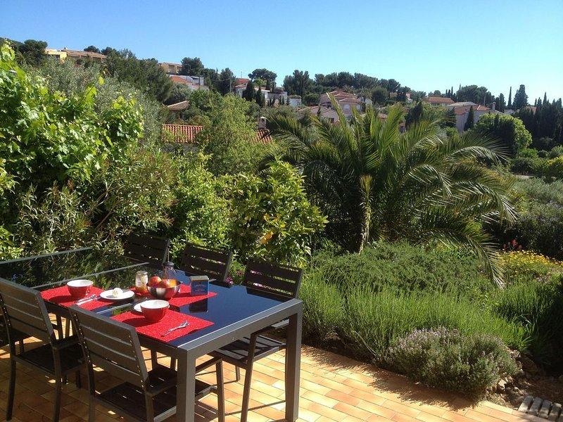 Villa *** avec jardin à Bandol (Var), Bord de mer, 3 chambres, 6 couchages, aluguéis de temporada em Bandol
