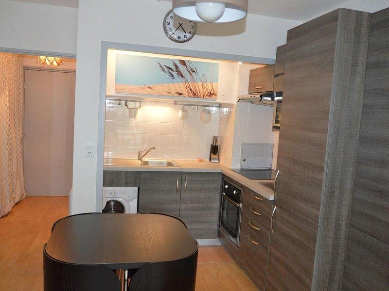 Agréable studio proximité plage pour 3 personnes internet gratuit parking balcon, vacation rental in Arcachon