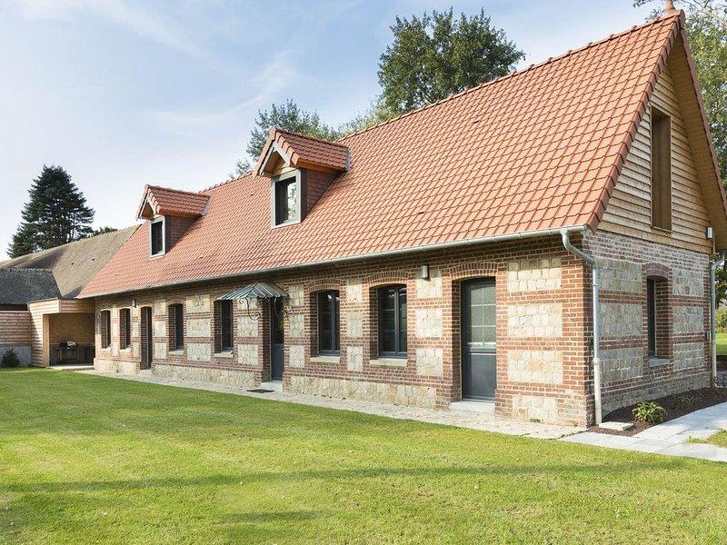Maison rénovée, au calme,  exposée plein sud, proche plages et commerces à 300m, alquiler vacacional en Le Bourg-Dun