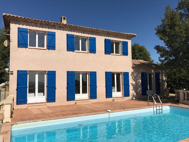 Bastide à Flayosc ( Var) idéalement située entre St Tropez et Gorges du Verdon, casa vacanza a Flayosc