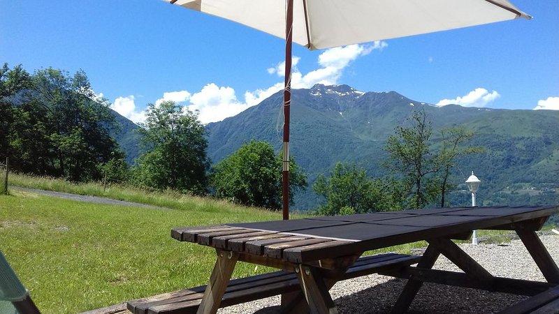 Belle maison de montagne plein sud, calme près des grands sites  Pyrénéens, location de vacances à Hautes-Pyrenees