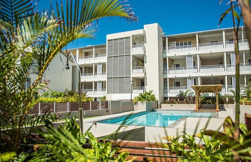 Ermitage Les Bains T2 dans résidence neuve avec piscine, à 80 mètres du lagon, location de vacances à La Saline les Bains
