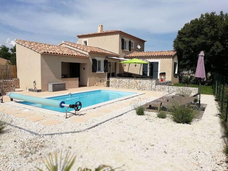 Le Clos Licagnas | Maison de Vacances avec Piscine Privée, location de vacances à Vèzenobres