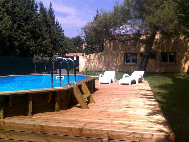 Villa provençale 3* climatisée  avec piscine chauffée & jardin à L'Isle / Sorgue, holiday rental in L'Isle-sur-la-Sorgue