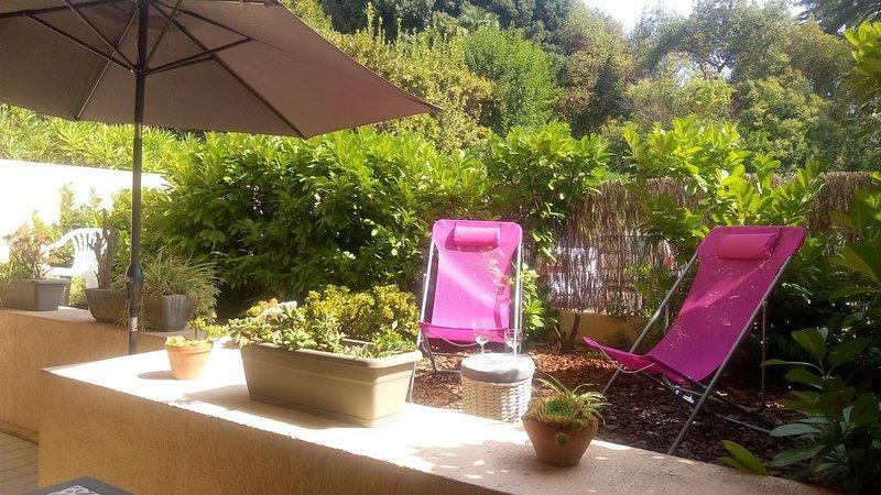 T2 rez de jardin Cannes Est, proche de la plage de l'Hôtel du Martinez, holiday rental in Cannes