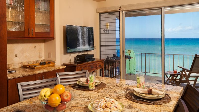 Luxury Ocean Front Condo 5 Star, 20 Feet From The Water At Pikake, vacation rental in Lahaina