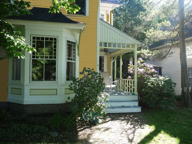 In the Heart of Maine, Nestled in Camden Village, vacation rental in Hope