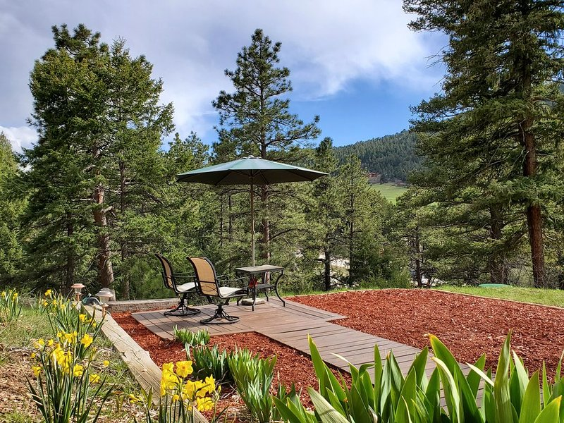 Denver Area Mountain & Red Rocks Retreat, holiday rental in Morrison