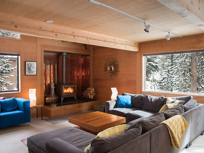 Play Outside/Relax Inside at Modern Retreat (Ursa Major), holiday rental in Bear Valley