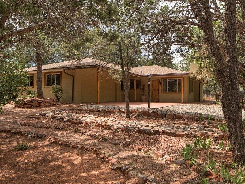 Cute Casita in Sedona - Green and Shaded Outdoors-Feel like home away from home, casa vacanza a Sedona